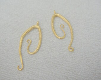 Jewelry findings Matte Gold Tarnish resistant Twisted Rope Wine pendant, connector, charm, W7328E