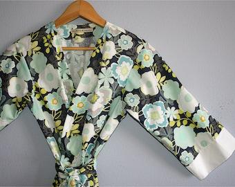 Kimono Robe. Bridesmaids Robe. Dressing Gown. Kimono. Teal Happiness. KNEE and MID CALF Length. Small thru Plus Size Kimono Robes.