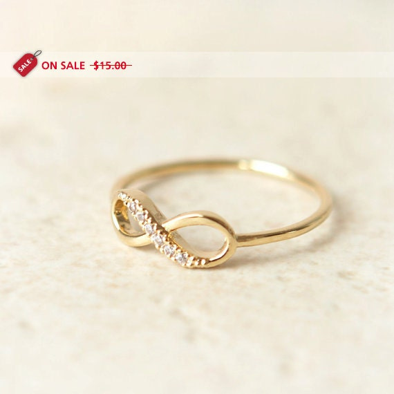 ON SALE - Infinity Ring in gold