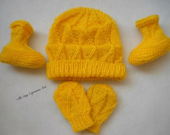 Triangle Blocks Baby Hat, Scratch Mitts and Booties Set (Six Patterns in One) - Knitting Pattern Pdf Only