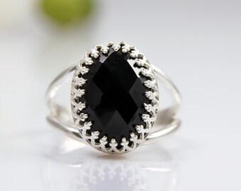 black onyx gemstone ring,silver ring,oval ring,black ring,black and silver jewelry,onyx ring,sterling silver ring