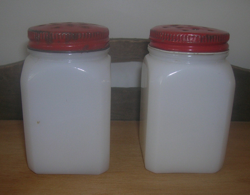 vintage white milk glass salt and pepper shakers. Black Bedroom Furniture Sets. Home Design Ideas