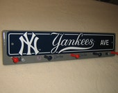 "New York Yankee coat rack "" hangup ""(grey)"