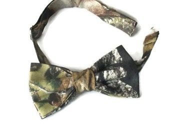 Mossy Oak camo bow tie for men or boys