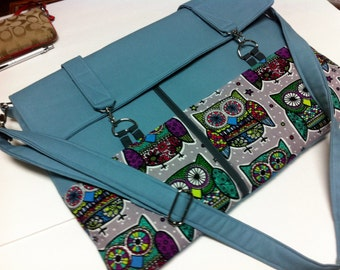 "Laptop bag-11"",13"",14"",15"",17""Macbook,MS SurfacePro,LenovoYoga,Sumsung chromebook,Acer, Hp, ASUS--POCKETS-OwLS on Light blue canvas"