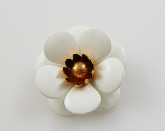 Vintage Sarah Coventry White and Gold Flower Brooch