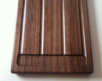 Cutting board with blood wells and juice grooves Black Walnut