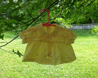 Vintage 1970s Yellow Little Easter Bunny Bouncing Through Flower Field Baby Girl Dress/Top - 0 to 3M
