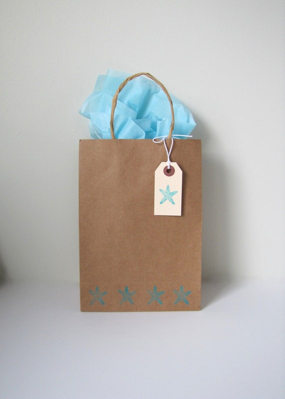 Destination wedding welcome bags starfish by kiwitinicreations for Destination wedding gift bags