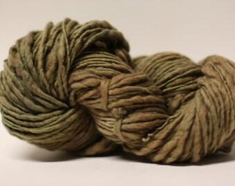 Thick and Thin Wool Yarn Slub TTS(tm) Handdyed  Fine Merino 66tts14014 Taupe
