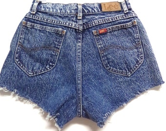 25 inch waist........LEE Acid Wash High Waisted    Denim Shorts