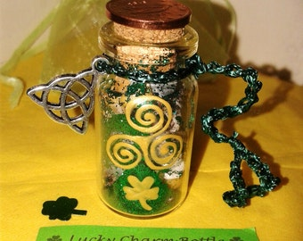 Irish Lucky Charm Bottle, perfect gift for Ireland Lovers, Decoration for St. Patricks Day, Miniature Bottle, Gift