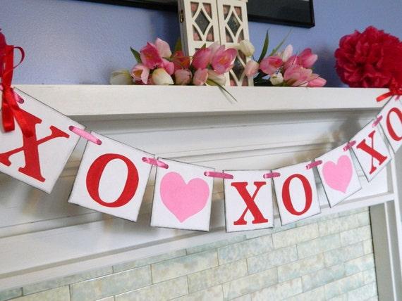 Valentine Decoration / XO XO XO Garland / Valentine Photo Prop / Hugs and Kisses Banner / Valentines Decor