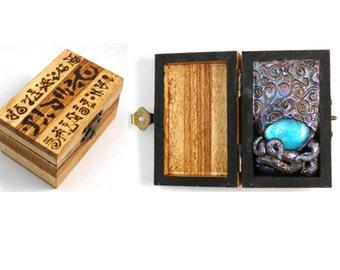 Cthulhu HP Lovecraft medium sculpted PROP Box