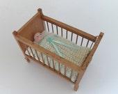 1:12 Scale Nursery Crib Blanket Dollhouse Miniature Cot Blanket Knitted Lamb's Wool Turquoise Trim Dollhouse Artisan Handmade Miniaturejoy