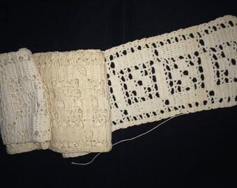 Vintage Wide Heavy Cotton Crocheted Lace, Vintage Crochet, Coverlet Lace, Vintage Sheet Lace Edging, Vintage Lace Trim