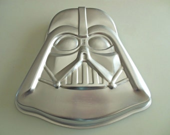 1980 Wilton Cake Pan Star Wars Darth Vader 1980 No.502-1409 Mold Vintage Star Wars Cake Pan with Instructions ** Super Clean