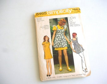 Simplicity 5465 Mini Dress or Smock Sewing Pattern 1972 Size 5/6 Bust 28 FACTORY FOLDS with Instructions 1970s mini dress