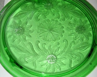 GREEN DEPRESSION GLASS Cake Platform, Cake Plate
