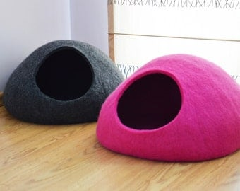 Pet bed / Cat bed / Cat cave / puppy bed / cat house / pet furniture / cat nap cocoon. Custom color felted cat bed XS, S, M, L or XL sizes