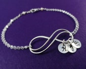 Mothers bracelet,  Personalized infinity bracelet, Mother of the Bride gift, Mother of the Groom gift, Initial bracelet, grandmother gift
