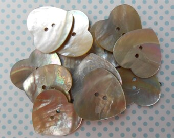 Big Buttons Heart Natural Mother of Pearl 6pcs