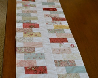 Cottage/Shabby Chic Moda Fabric Table Runner