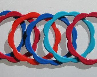 Plastic Bangle Bracelets - Vintage Bangles - Kitsch Mod Opaque Set of 6 - Blue Red Turquoise Orange- Vintage Bracelets