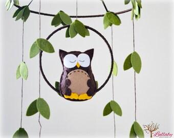 Owl mobile - woodland - Nursery baby mobile - Felt green, brown and yellow owl - Nursery decor - MADE TO ORDER