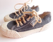Vintage Canvas REBELS Sneaker Shoes Made in ITALY Women Size 7