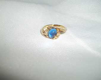 Mesmerizing Blue Glass Stone Ring With White CZ Stones Size 8
