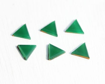 Green Triangle Cabochons (6x)