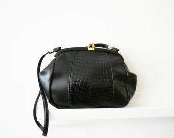 Cute vintage style faux black Leather shoulder bag