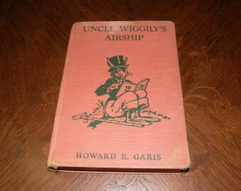 Second Edition Uncle Wriggily's Airship by Howard R. Garis Copyright 1939 by the Platt & Munk Illus by Elmer Rache