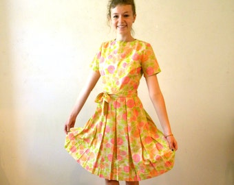 50s 60s Floral Dress / Pleated Skirt Cotton Spring Summer Dress / Mad Men Style /  Small SHIPPING INCLUDED