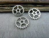 50 pcs 15mm Antique silver small gears wheels sawtooth gearwheels Watch movements connectors links Charms Pendants fc94936