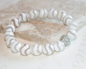 Tibetan agate bracelet, White stretch bracelet, Stacking bracelet, DZI bead bracelet, Yoga jewelry