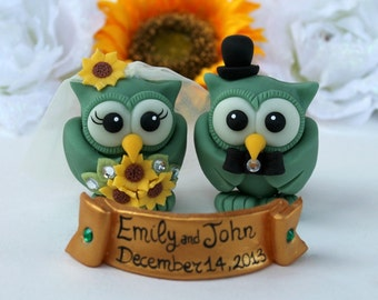Owl wedding cake topper, love bird with gold banner, emerald owl bride and groom cake topper, winter wedding, sunflowers bouquet