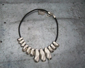 Asymetric metal necklace in silver tone /metal gorget bold