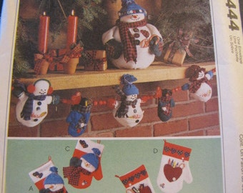McCalls 9444, Christmas Decor,  ornaments