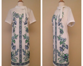 Vintage 1960s Mod Floral Shift Dress - White with Blue and Green Print - Size XL Large