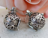 Lockets -2pcs Filigree Lucky Magic Box Antique Silver Locket Charm Pendants 21x32mm D405-1