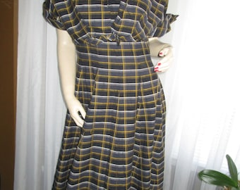 1950's No Label Big Girl DRESS/EMPIRE Jacket in Gray/Gold/Blk/White Plaid