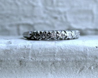 Vintage Platinum Diamond Wedding Band - 0.28ct.
