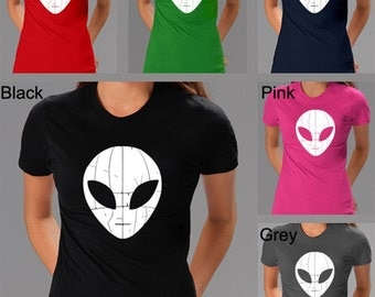 Women's T-shirt - Alien face created using the words I Come In Peace
