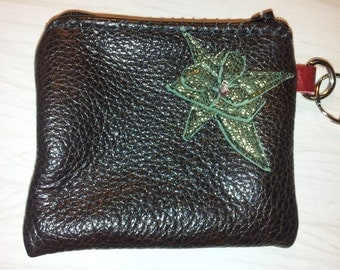 Leather coin purse with key-ring