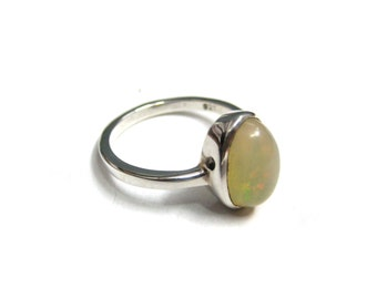 Fire Opal Gemstone Silver Ring , Fine Quality oval shape opal Cabochon , 925 sterling silver handmade ring , flashy opal handcrafted jewelry