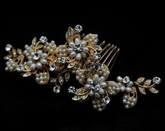 Elegant  Bridal Hair Comb, Bridal Hairpiece, Pearl Hair Comb, Bridal Head Piece, Floral Hair Comb, Floral Hairpiece
