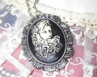 Mermaid Princess Bride Goth Steampunk Rockabilly Necklace Pendant / brooch combo Cameo