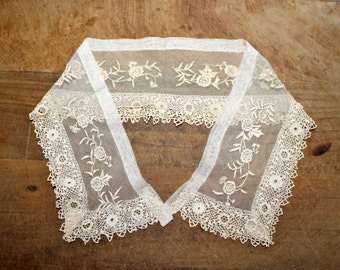 Antique lace / Embroidery